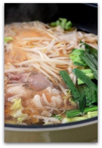 ぷるるん肉もつ鍋 (11)