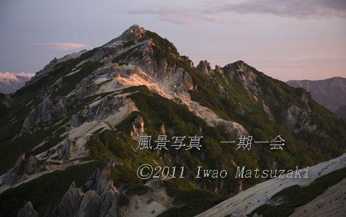 blg_8723朝陽燕岳