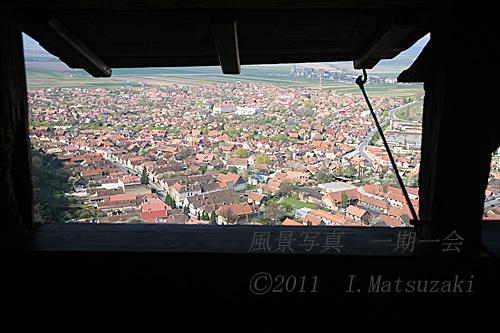 要塞遺跡の窓から ルーマニア