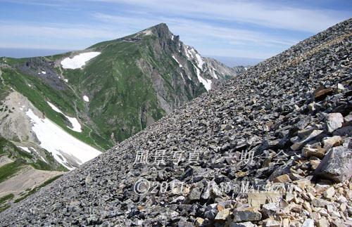 砂礫と白馬岳