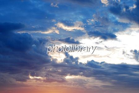 839646 朝焼けの雲