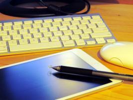 キーボードとタブレット.jpg