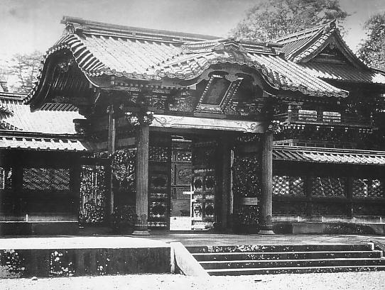 文昭院霊廟勅額門_表側