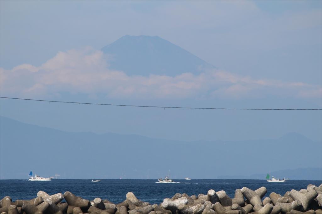 漆山バス停から見た富士山_3
