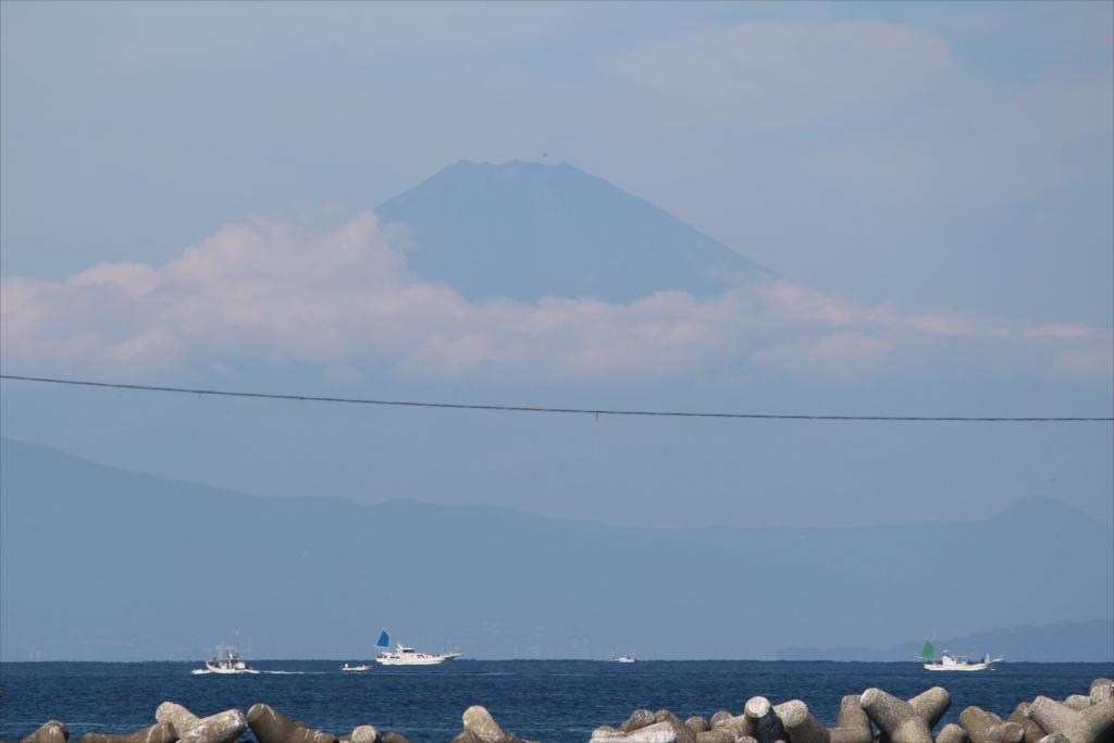 漆山バス停から見た富士山_4