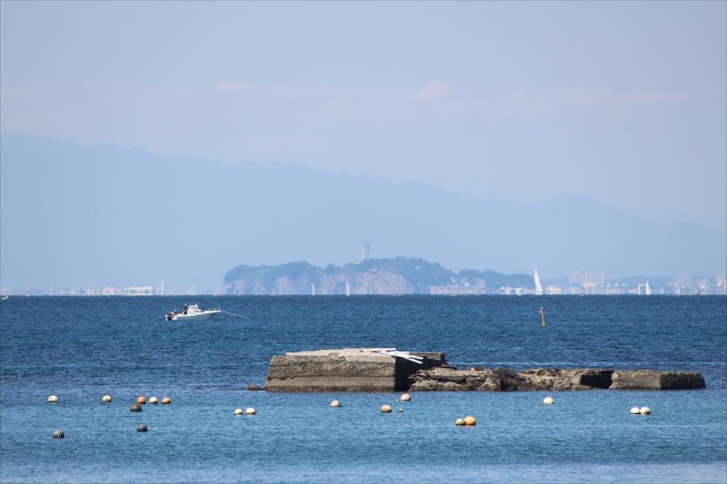 江ノ島がだいぶ遠くのような感じに見える_1