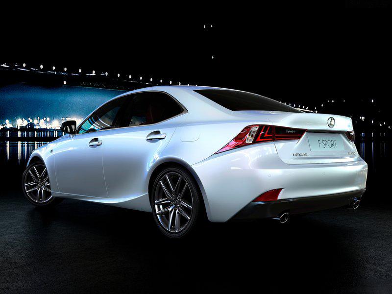 Lexus-IS_2014_800x600_wallpaper_07_20130514235814.jpg