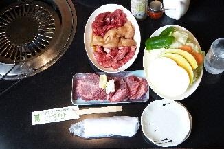 「サービスセット・燕セット(ロース、カルビ、上ミノ、塩タン、野菜)