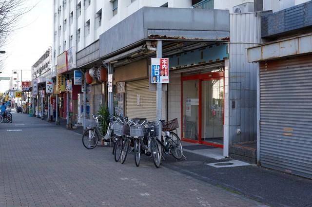 都営辰巳一丁目アパート2号給水塔付近高層棟の商店