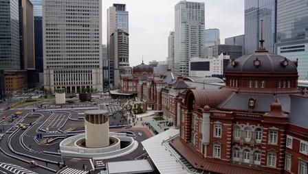 屋上庭園から見た東京駅丸の内駅舎