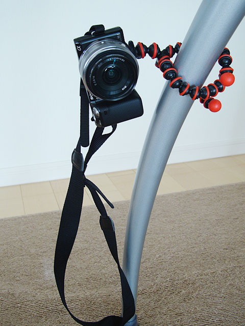 gorillapod2_table.jpg