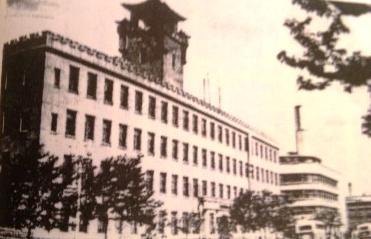 在職中の満洲製鉄本社ビル