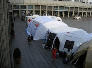 06日赤テント