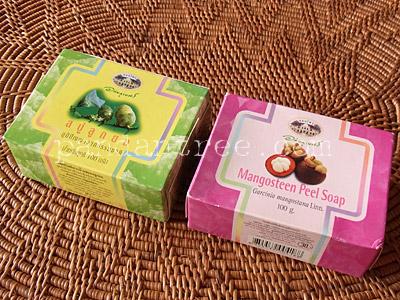 ノニ石鹸とマンゴスチン石鹸1