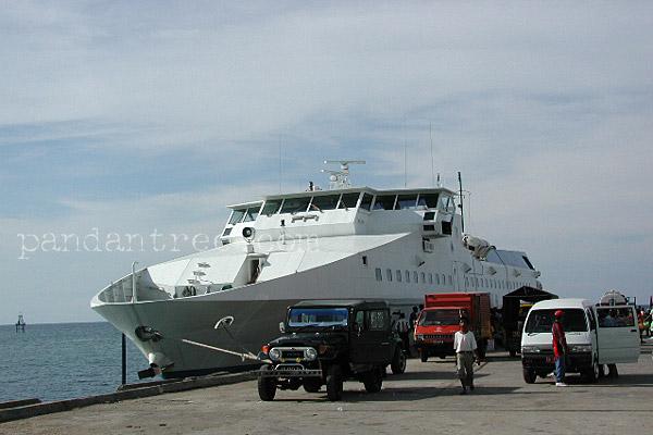 ペルニの船