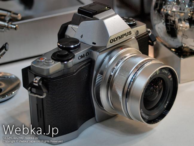 OLYMPUS OM-D E-M5 + M.ZUIKO DIGITAL ED 12mm F2