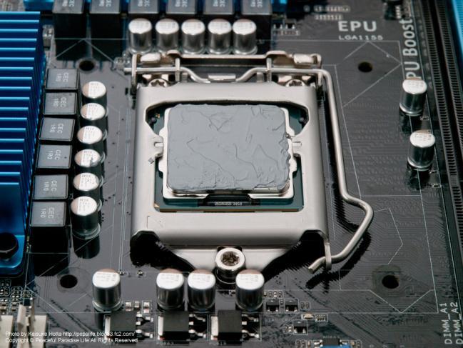 CPUにシリコングリスを塗る