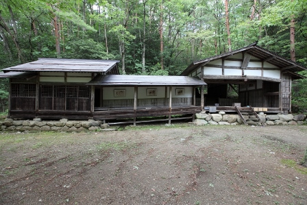 飛騨の里13立保神社拝殿舞台