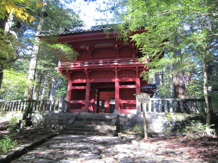 滝尾神社楼門