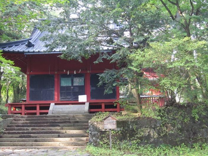 本宮神社拝殿