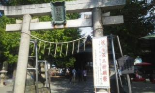 登戸神社鴨井